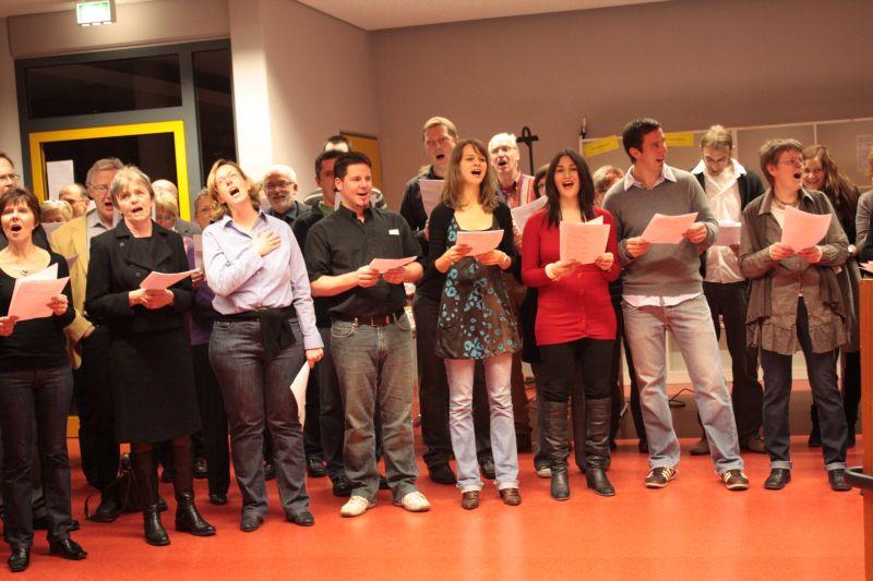 Wenn ein Kollege vom Kaliber eines Albert Schröder geht, singen die Kollegen enthusiastisch mit - auch zur Melodie der Nationalhymne.