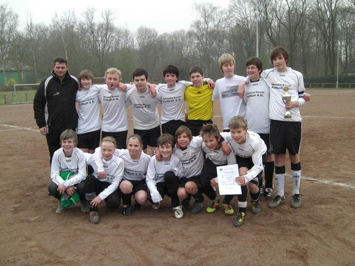 """Diese Mannschaft holte den Titel """"Schulkreismeister 2011"""" nach Kreuzau."""