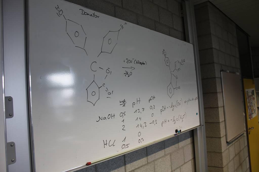 Was im Unterricht noch an der Tafel stand, müssen unsere Abiturienten zur mündlichen Prüfung im Kopf mitbringen.