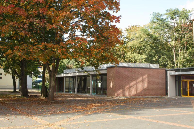 Seit 2010 bietet das Gymnasium Kreuzau Nachmittagsbetreuung und Mittagessen an.