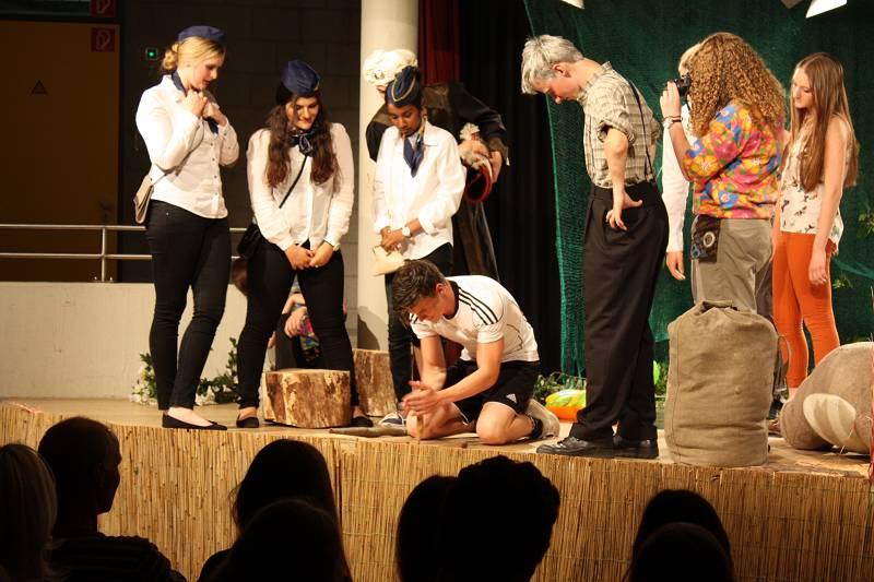 Theater Freitag 13_(800_x_600)