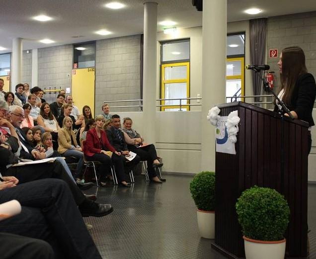 Für unsere neue Schülersprecherin war ihre Rede der erste offizielle Auftritt.