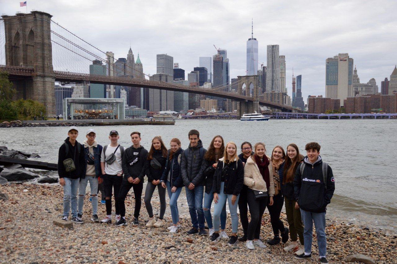 """Bis zum Abendrot durchstreifte die Gruppe New York und fuhr auch mit dem Fahrstuhl auf die Aussichtsplattform """"Top of the Rocks""""."""