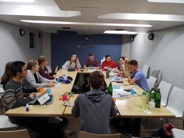 Planungsarbeit am Gruppentisch